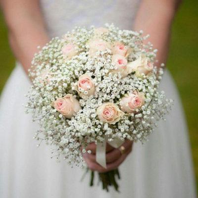Brudbukett och blommor till bröllop i Vänersborg